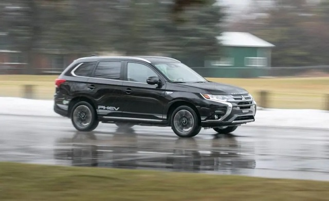 2020 Mitsubishi Outlander PHEV tests