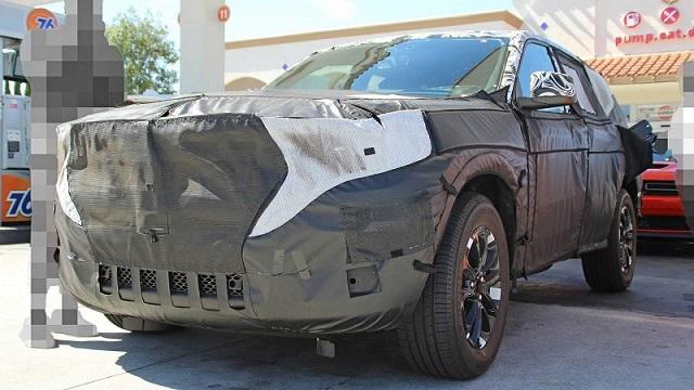 2021 Jeep Wagoneer spy photos