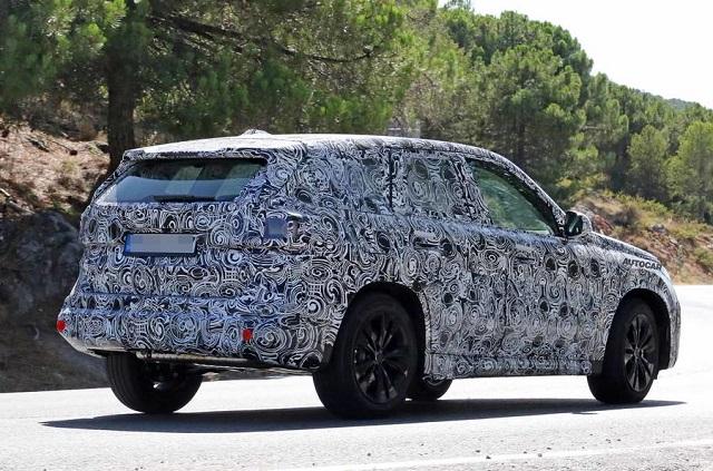 2022 BMW X1 spy photo