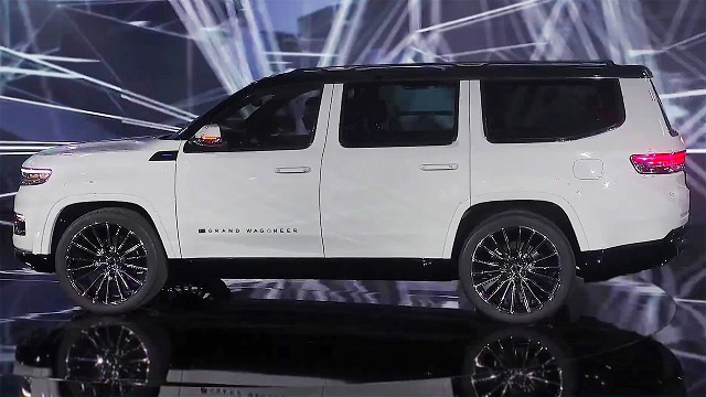2022 Jeep Grand wagoneer srt