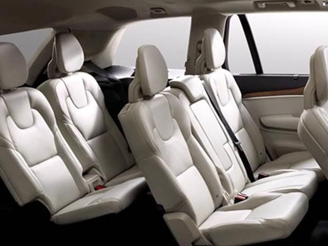 2022 Volvo XC100 interior