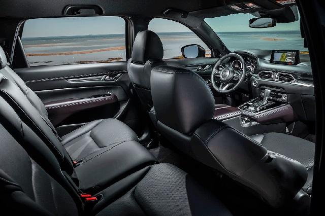 2022 Mazda CX-7 interior