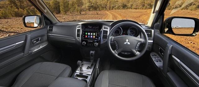 2022 Mitsubishi Pajero interior