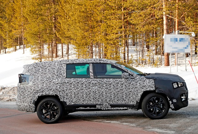 2022 Jeep Commander spied