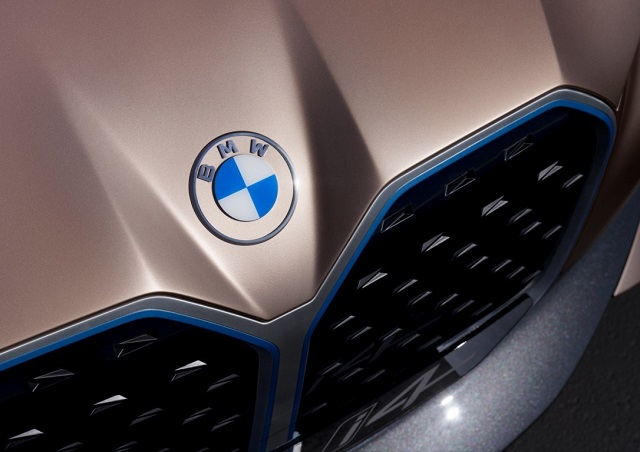 2023 BMW Urban X